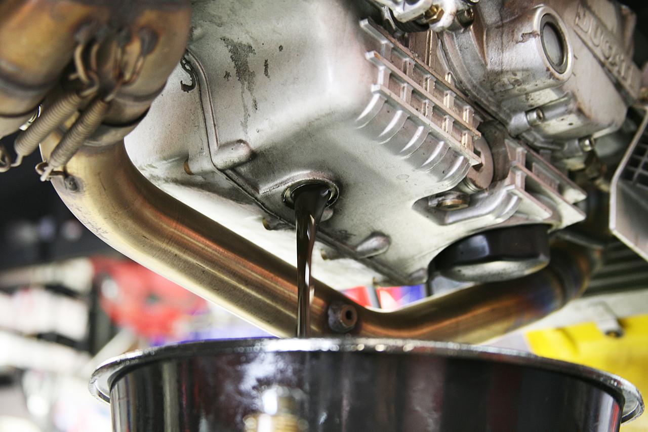 Замена масла с промывкой двигателя своими руками